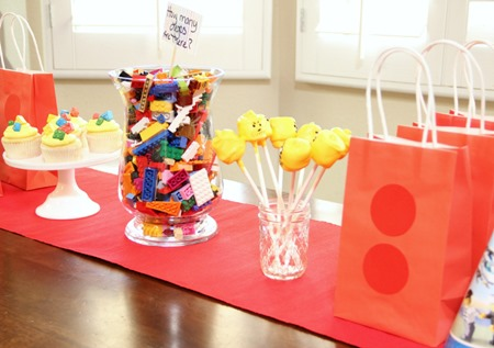 lego party table 2