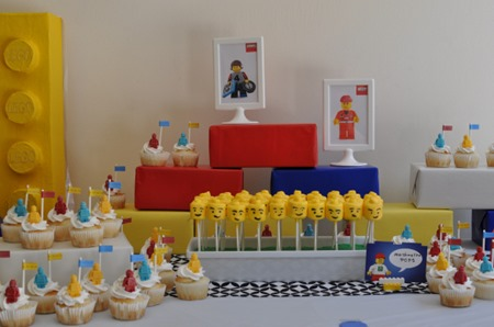 lego party table 4