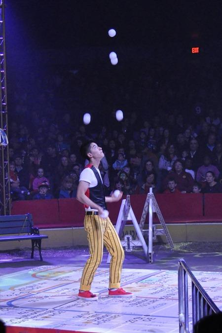 circus009